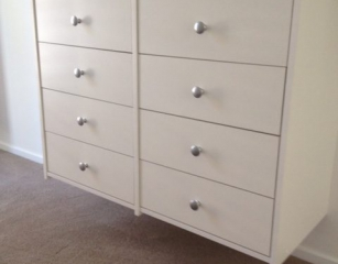 Heritage knob on standard 140 deep drawers